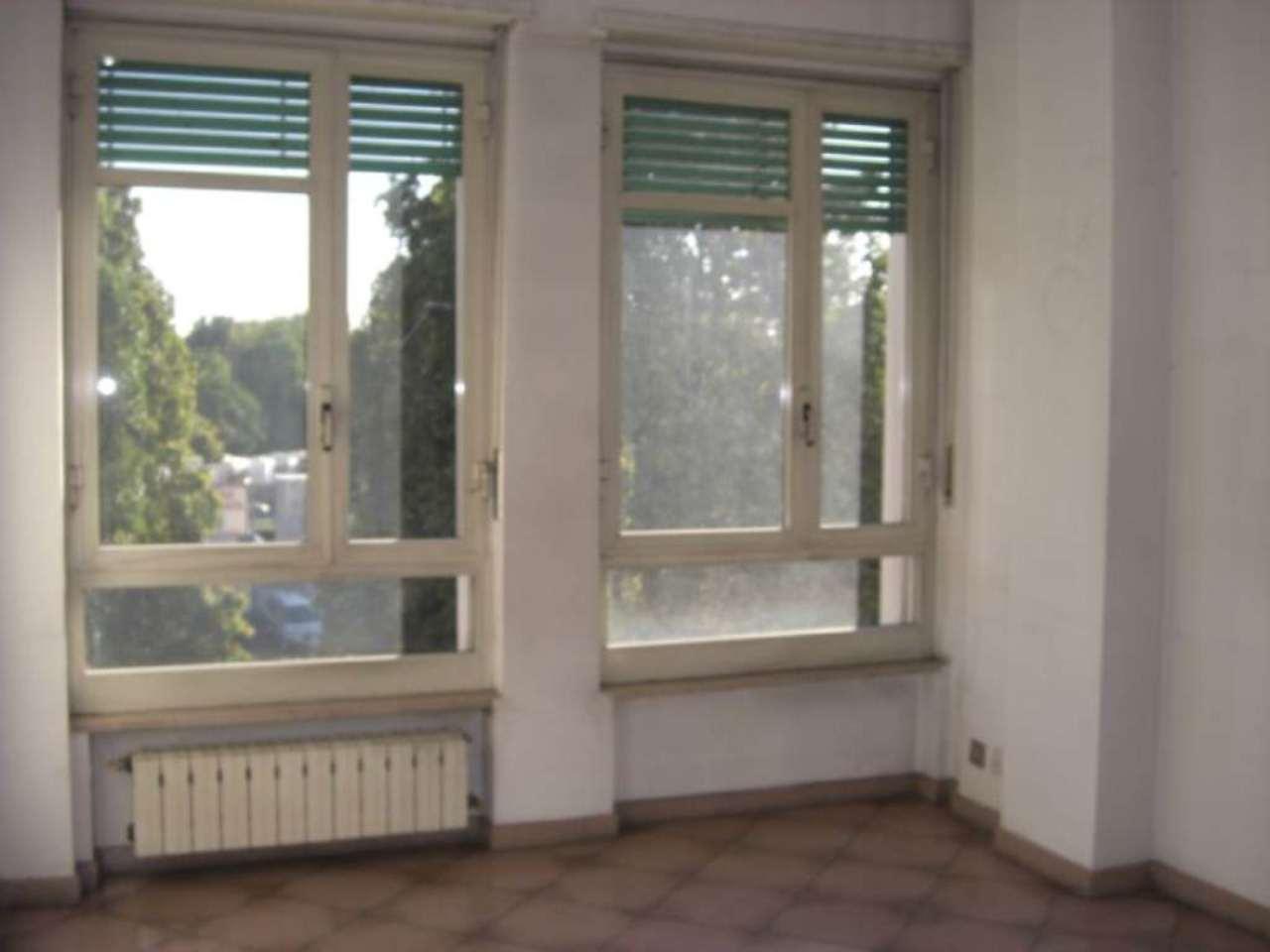 Bilocale Torino Corso Rosselli 3
