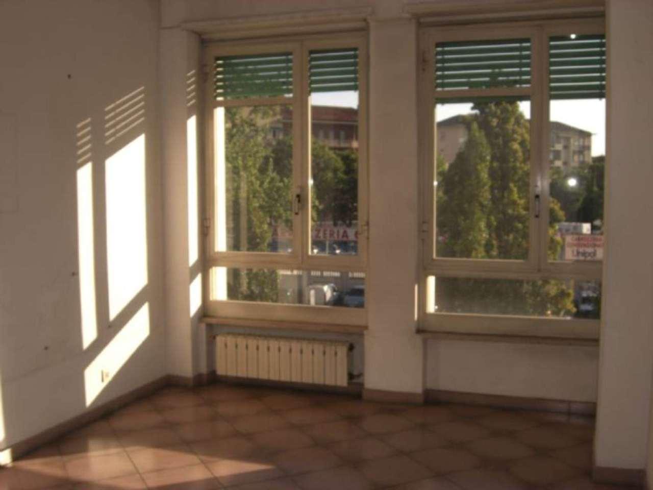 Bilocale Torino Corso Rosselli 4