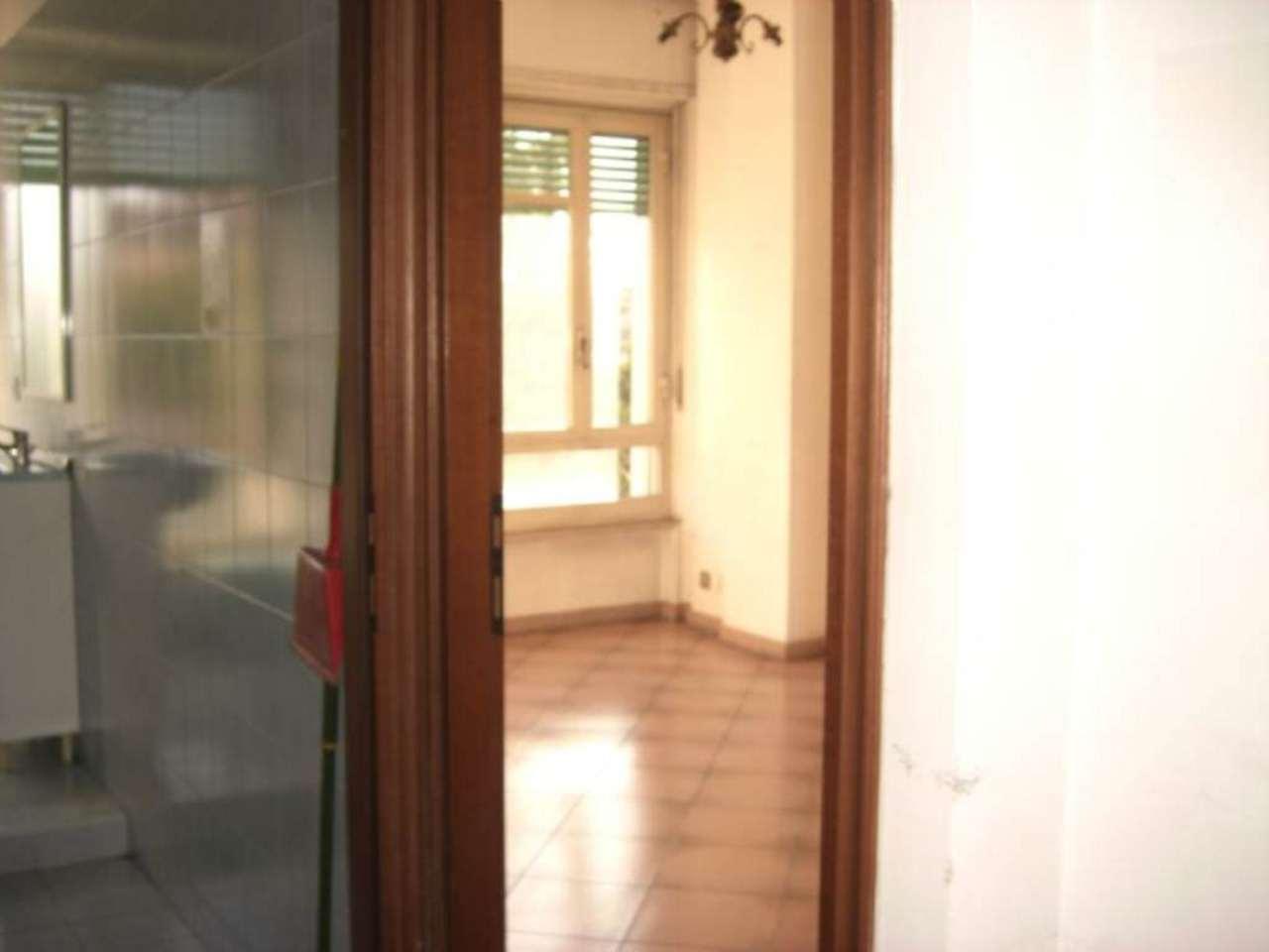 Bilocale Torino Corso Rosselli 11