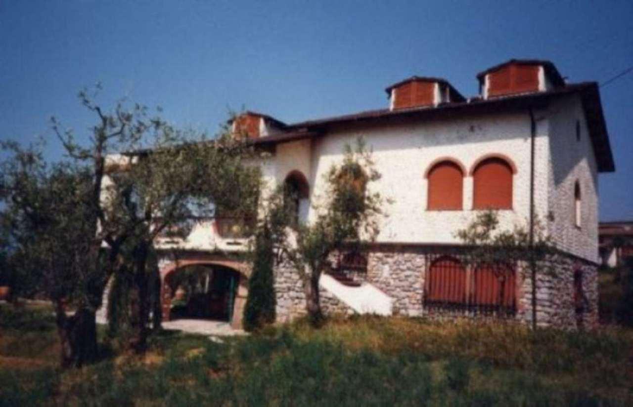 Villa in vendita a Castelnuovo Magra, 6 locali, prezzo € 750.000 | Cambio Casa.it