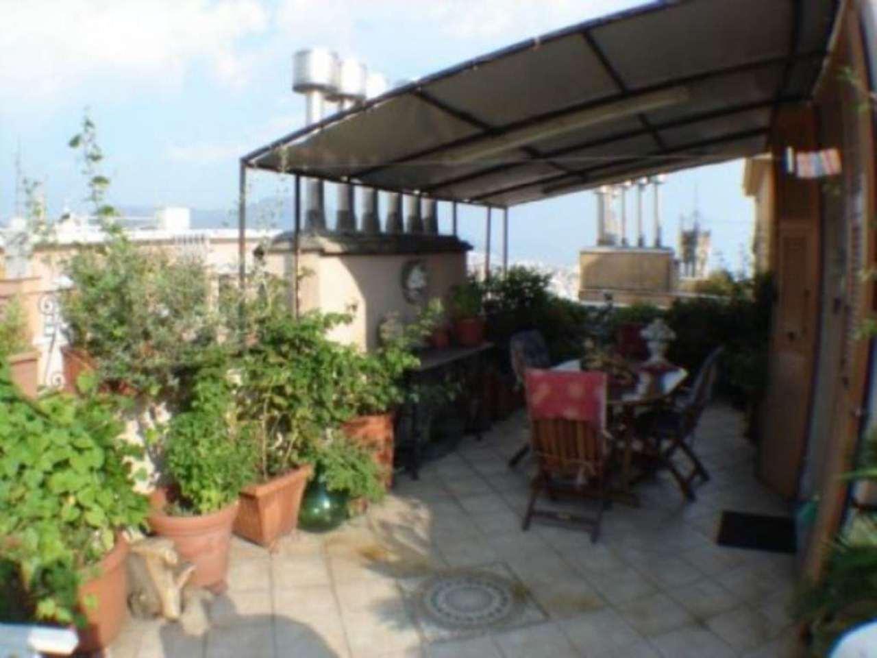 Bilocale Genova Via Cabella 1