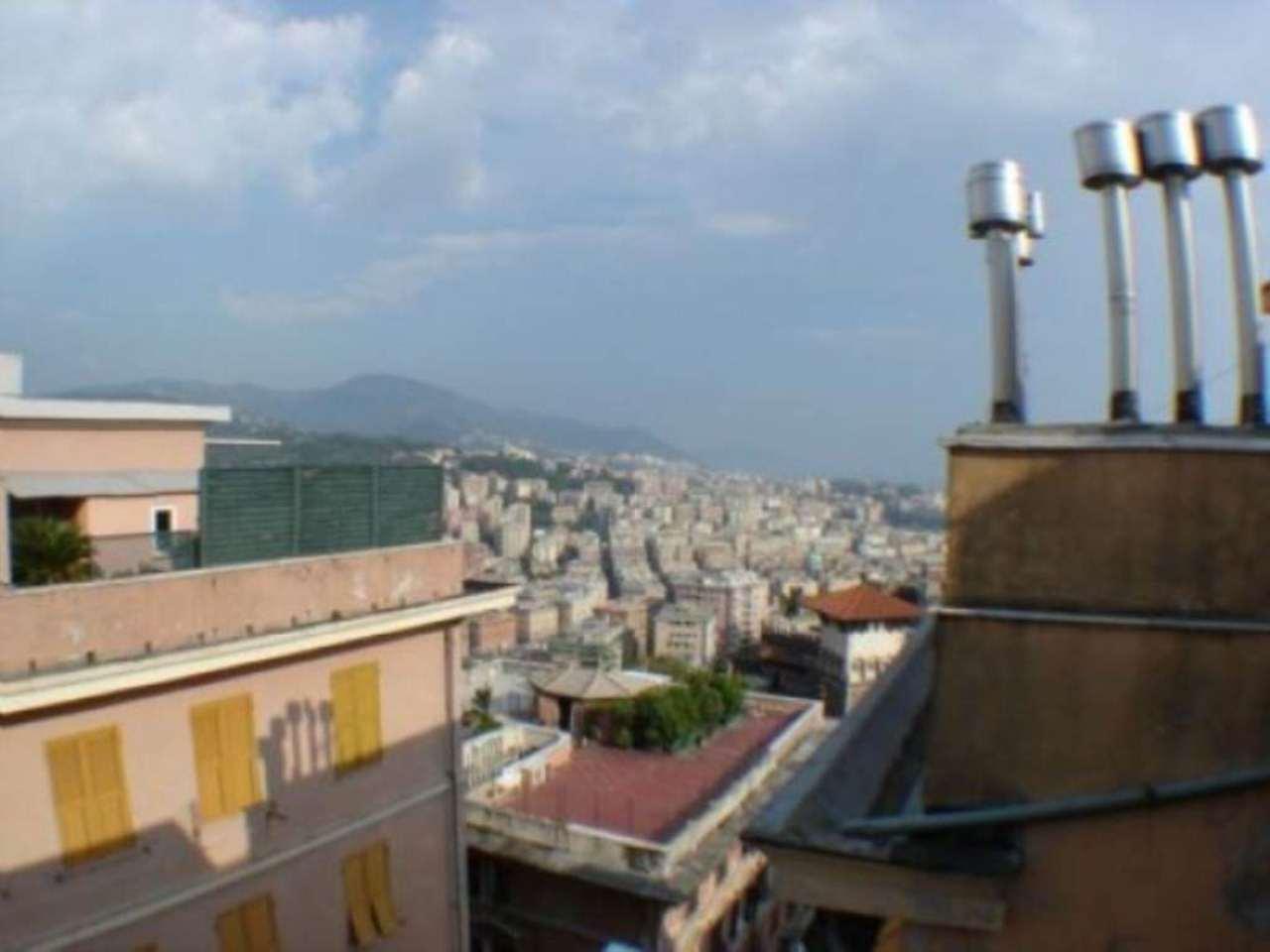 Bilocale Genova Via Cabella 2