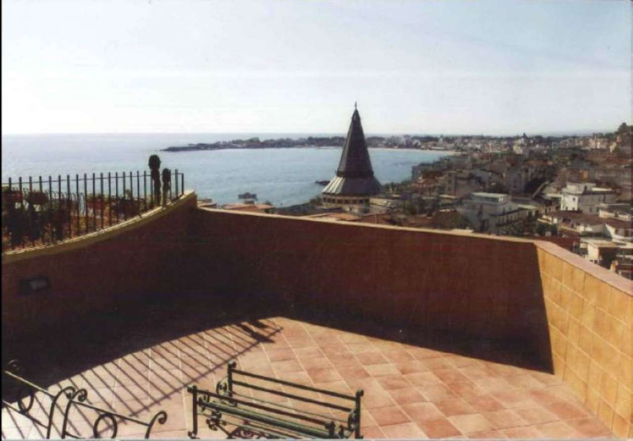 Attico / Mansarda in vendita a Giardini-Naxos, 8 locali, prezzo € 215.000 | Cambio Casa.it