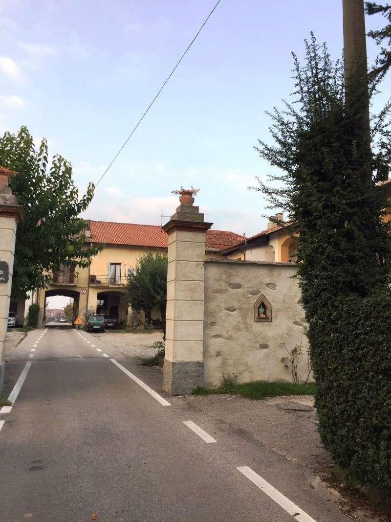Appartamento in vendita a Ispra, 3 locali, prezzo € 150.000 | Cambio Casa.it