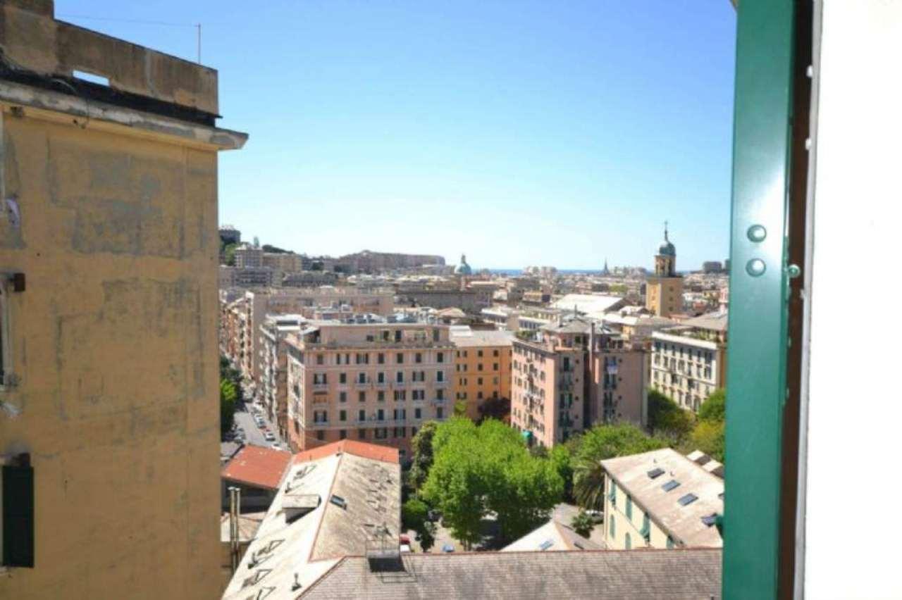 Bilocale Genova Via Bozzano 10