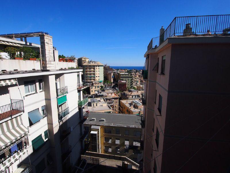 Bilocale Genova Via Sapeto 8