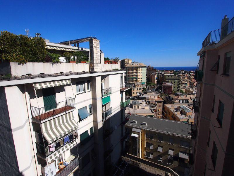 Bilocale Genova Via Sapeto 11
