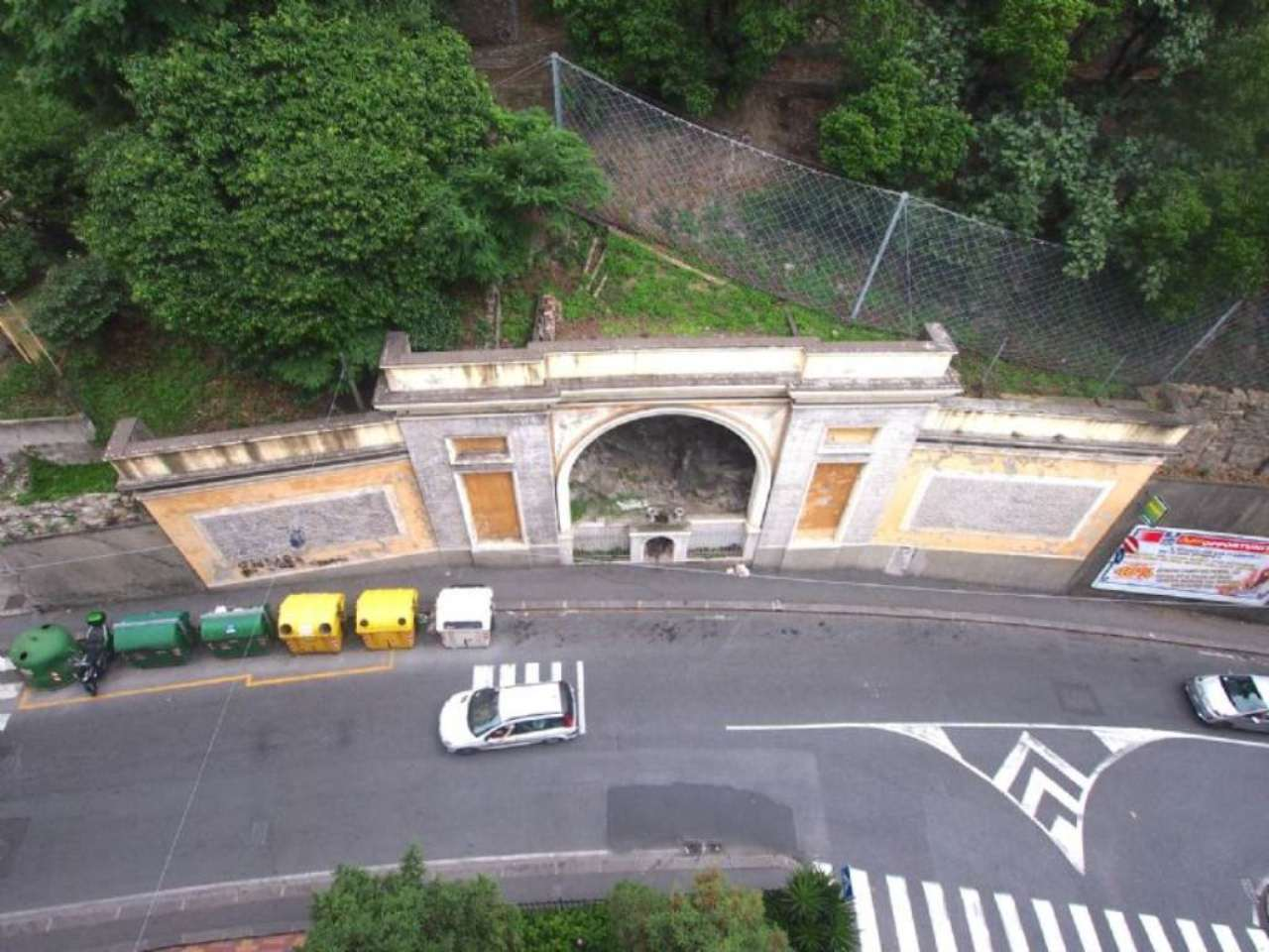 Bilocale Genova Via Donghi 8