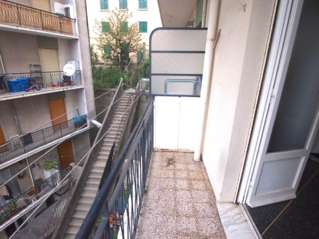 Bilocale Genova Via Gaulli 2