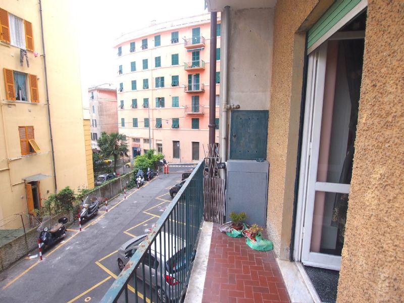 Bilocale Genova Via Imperiale 8