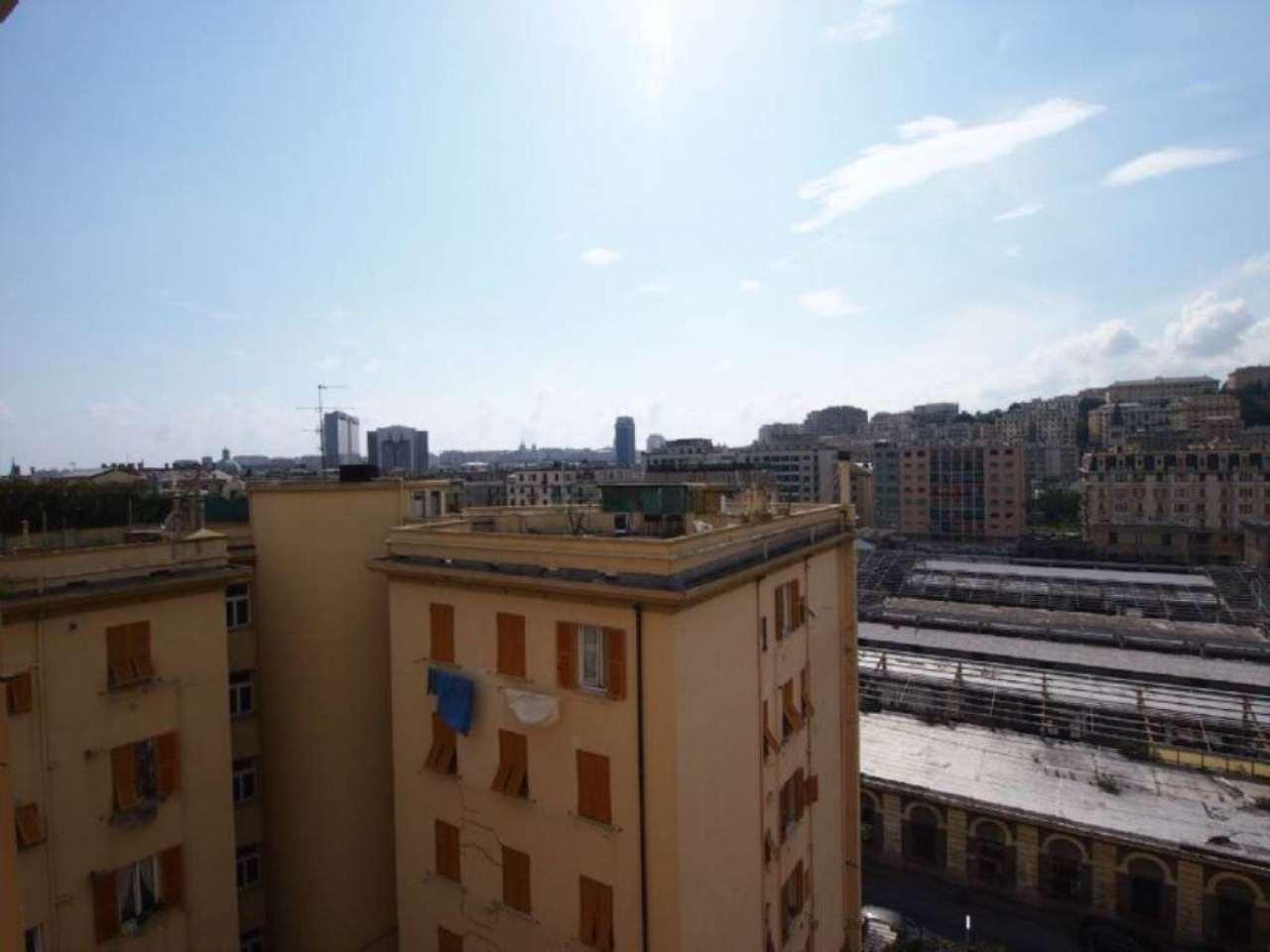 Bilocale Genova Via Novaro 9