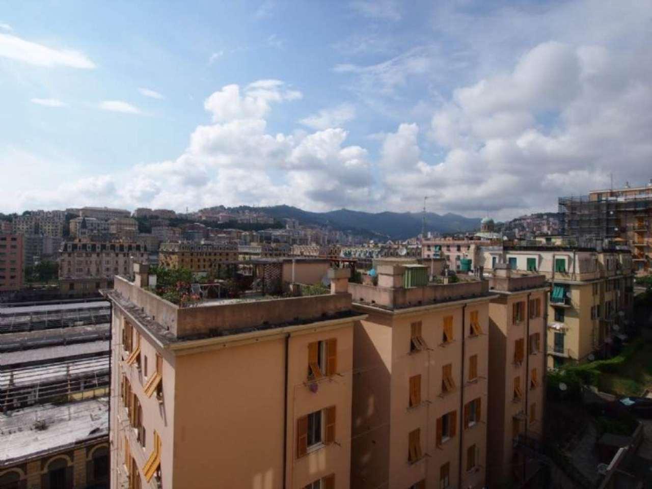 Bilocale Genova Via Novaro 8