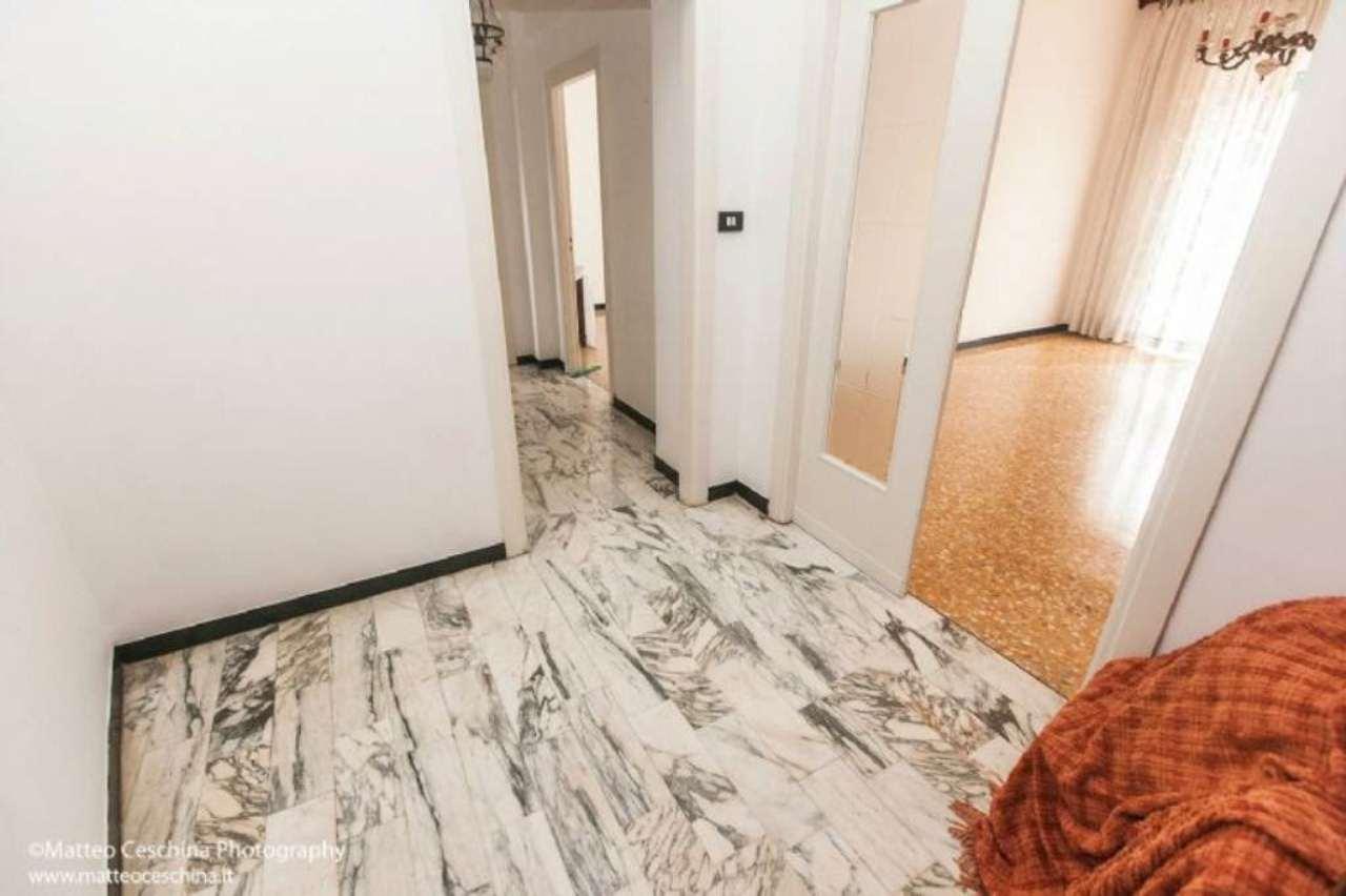 Bilocale Genova Via Antolini 7