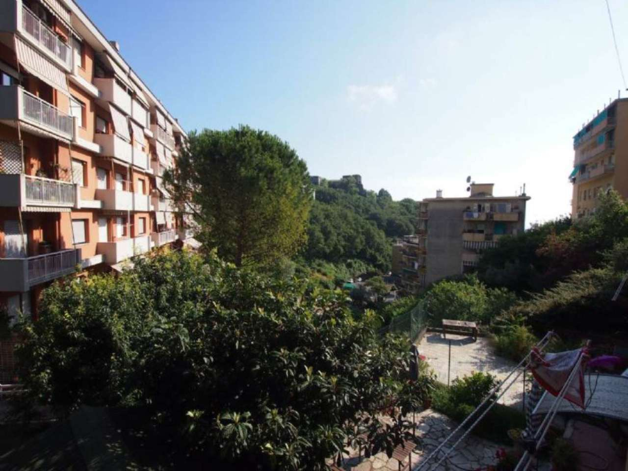 Appartamento in affitto a Genova, 4 locali, zona Zona: 4 . S.Fruttuoso-Borgoratti-S.Martino, prezzo € 400   Cambio Casa.it
