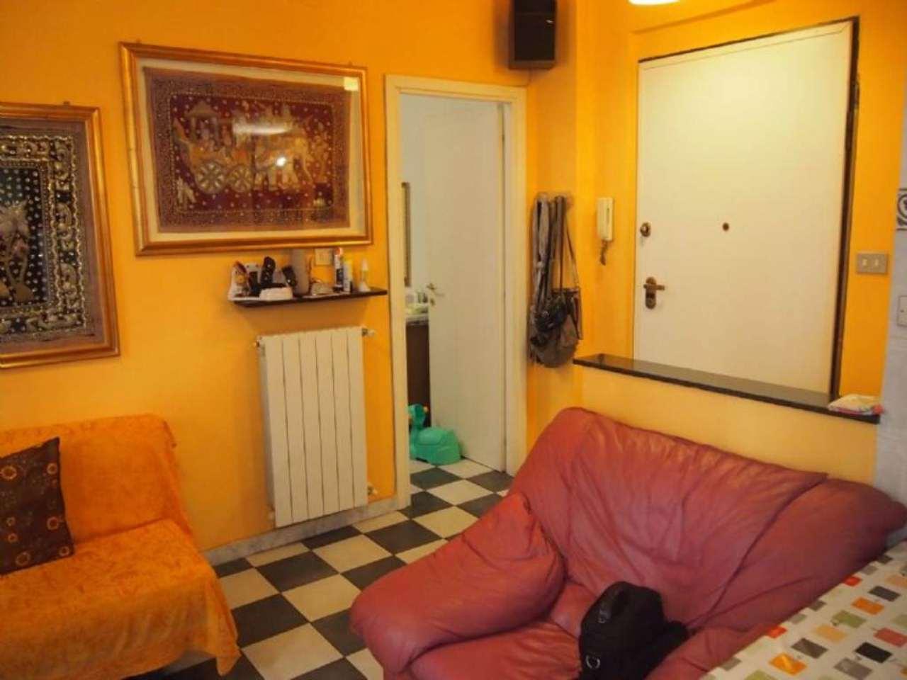 Bilocale Genova Via Carlo Barabino 4