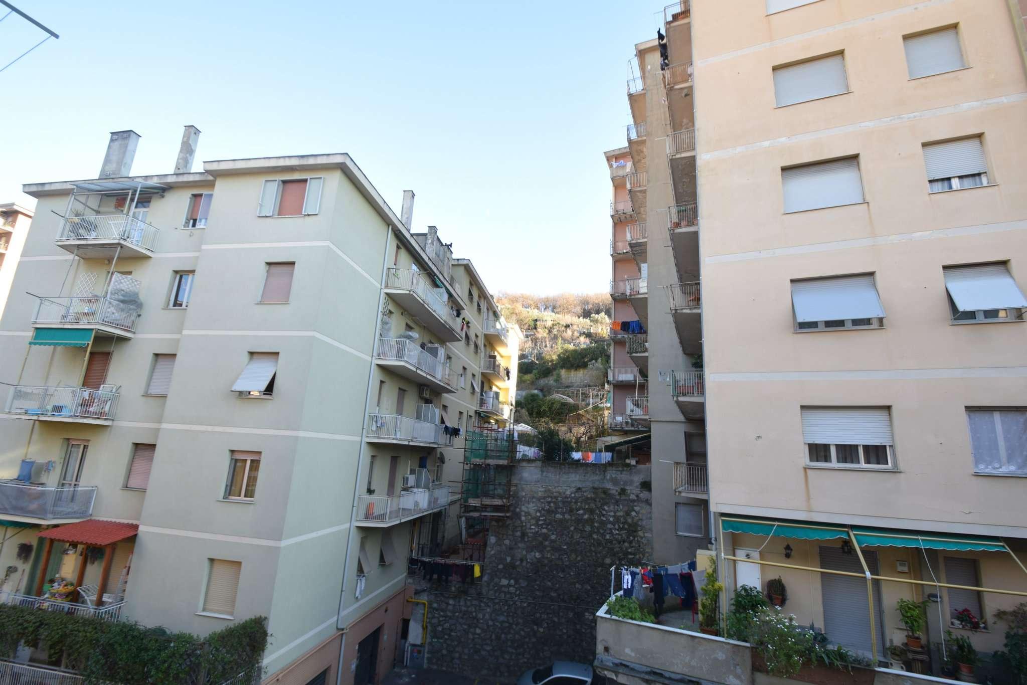 Foto 1 di Appartamento via Stenanino Moro, Genova (zona Quezzi)