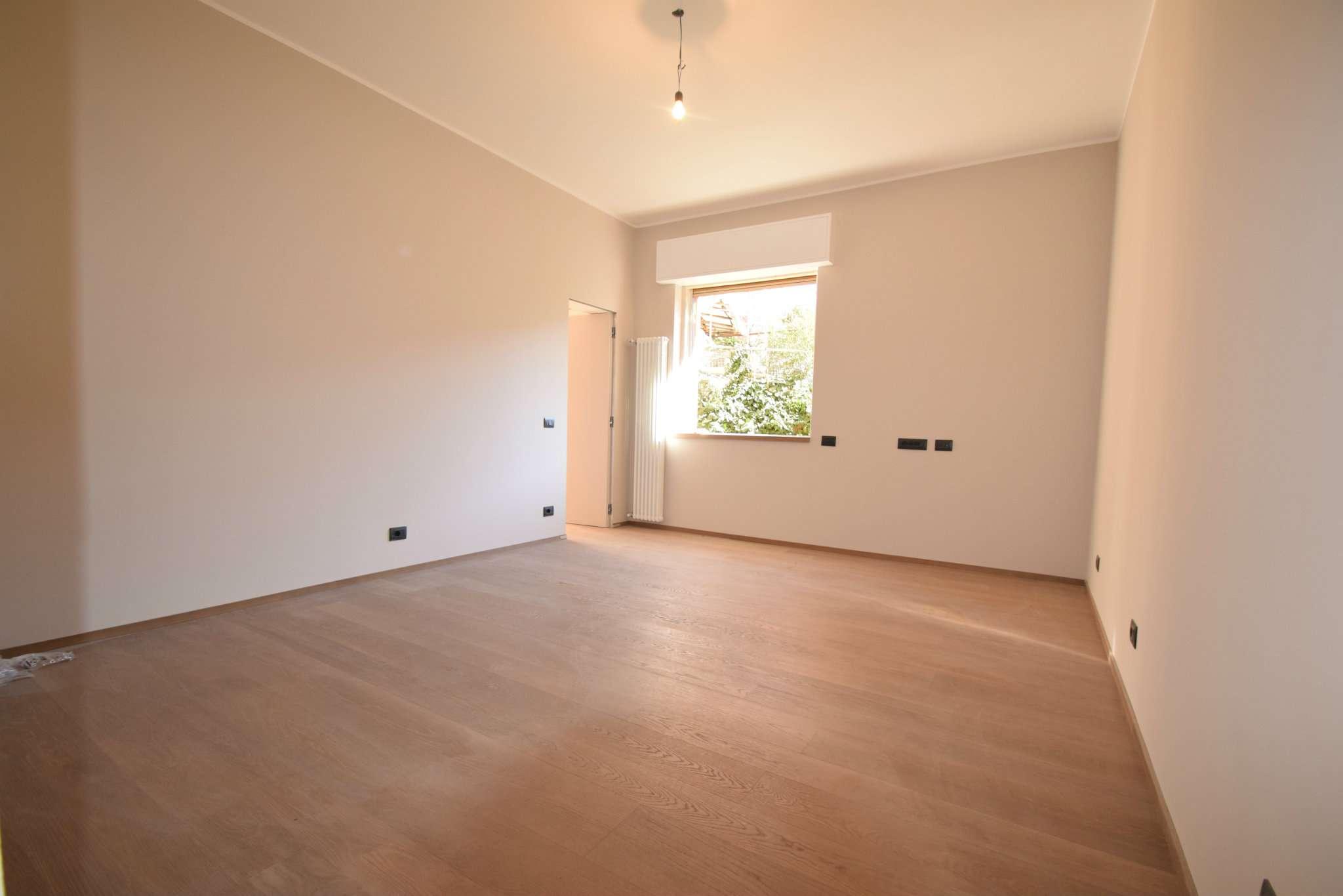 Foto 1 di Appartamento Via Pinetti, Genova (zona Quezzi)