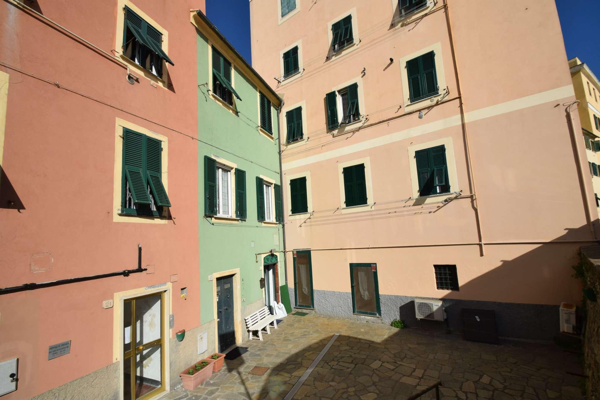 Foto 1 di Quadrilocale via VIA 5 MAGGIO, Genova (zona Boccadasse-Sturla)