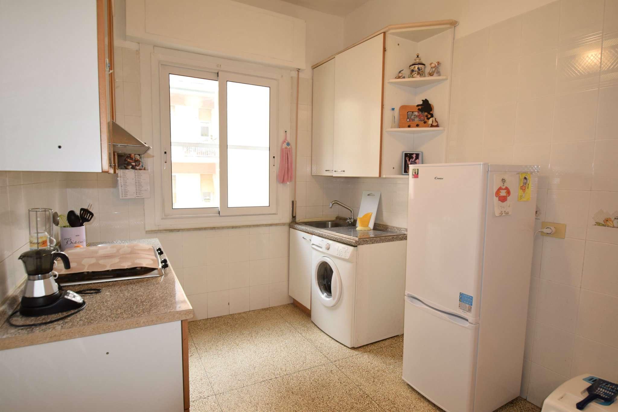 Foto 1 di Appartamento via STEFANINO MORO, Genova (zona Quezzi)