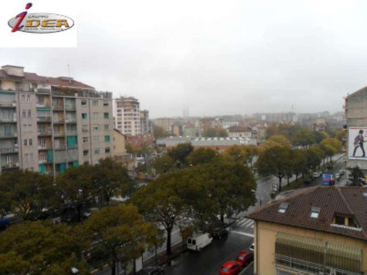Bilocale Torino Via Verolengo 8