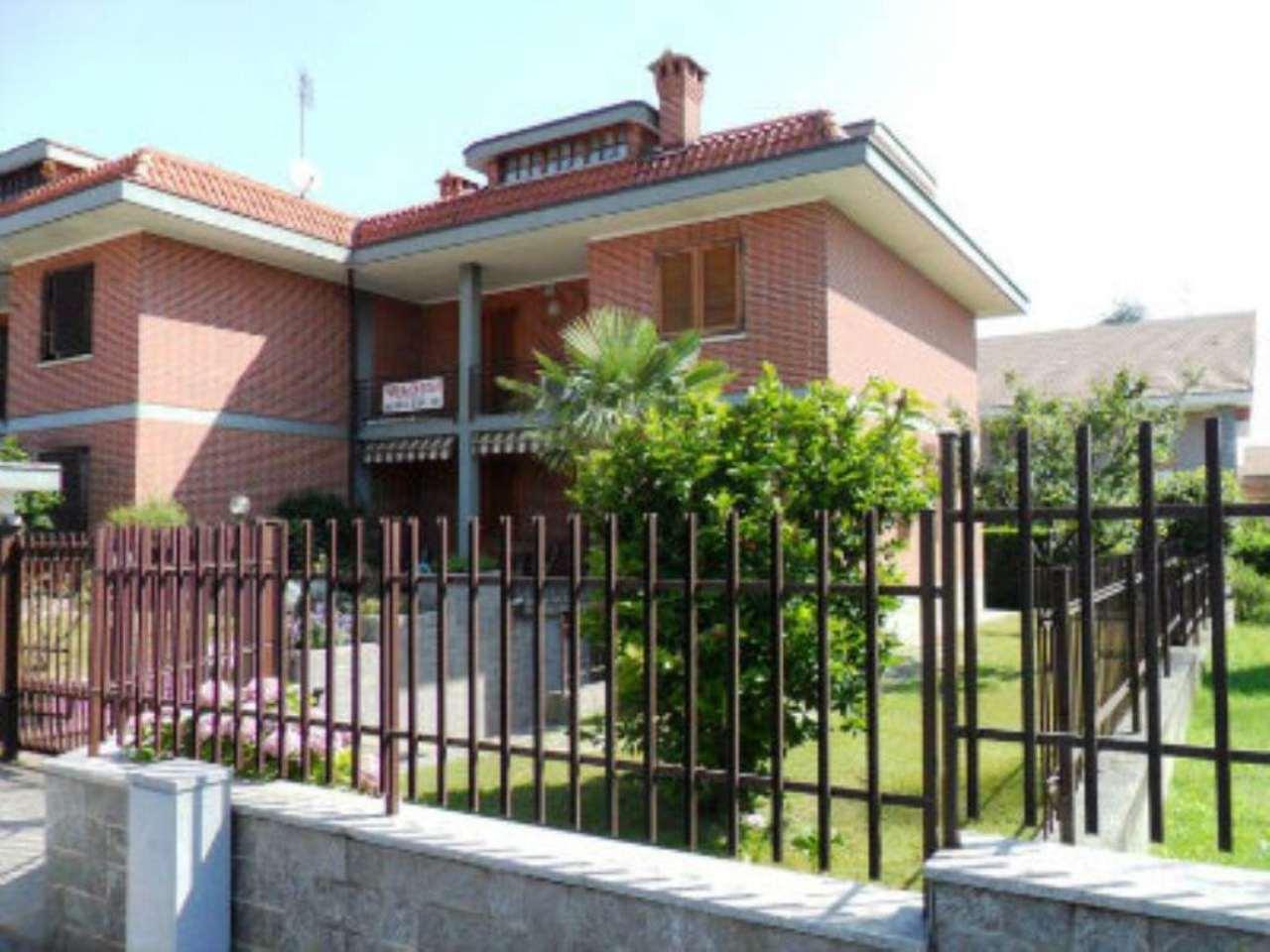 Villa in vendita a Pianezza, 8 locali, prezzo € 360.000 | Cambio Casa.it