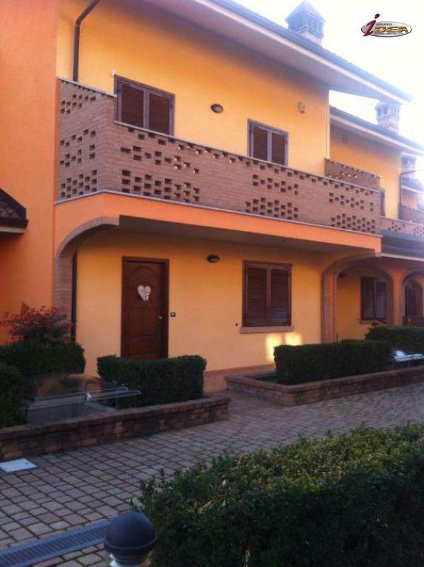 Villa a Schiera in vendita a Nole, 6 locali, prezzo € 249.000 | Cambio Casa.it