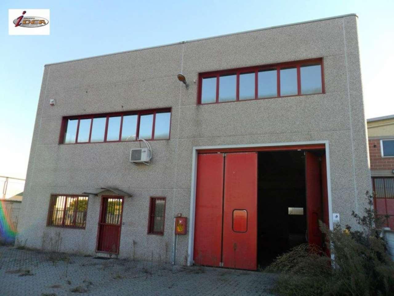 Capannone in vendita a Settimo Torinese, 9999 locali, prezzo € 300.000 | Cambio Casa.it