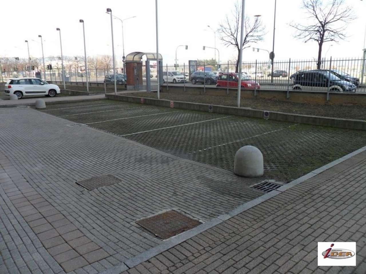 Foto 1 di Posto Auto c.so Grosseto 465, Torino (zona Madonna di Campagna, Borgo Vittoria, Barriera di Lanzo)
