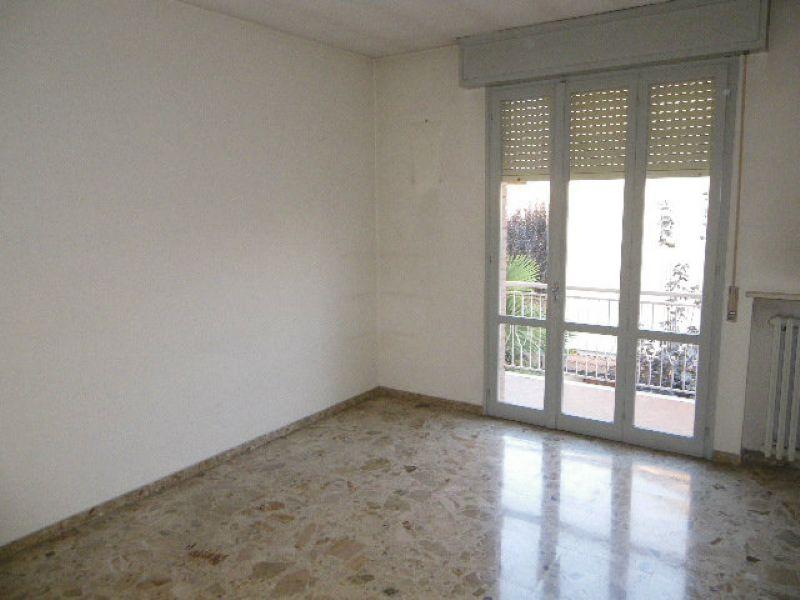 5 locali in affitto a Cavriago