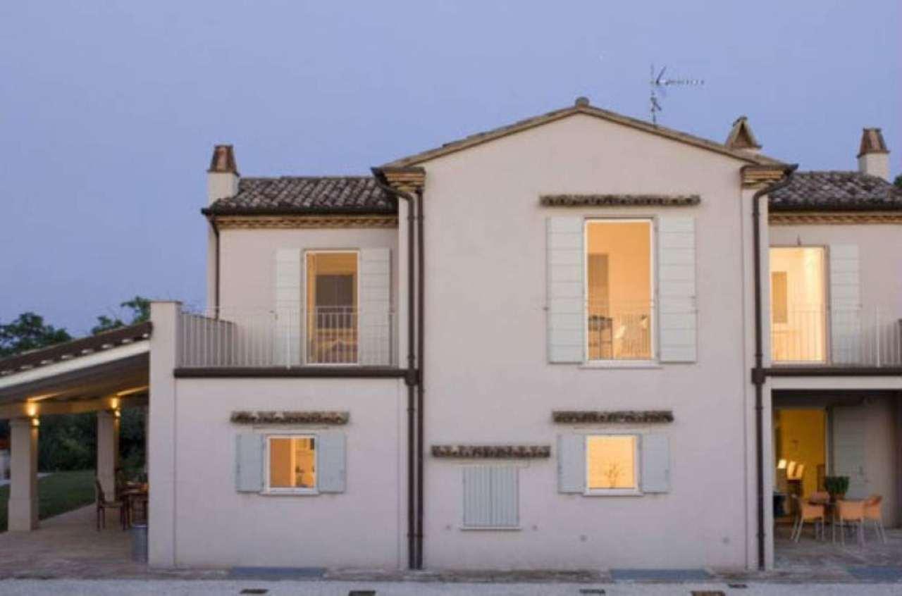 Villa in vendita a Santarcangelo di Romagna, 7 locali, Trattative riservate | Cambio Casa.it