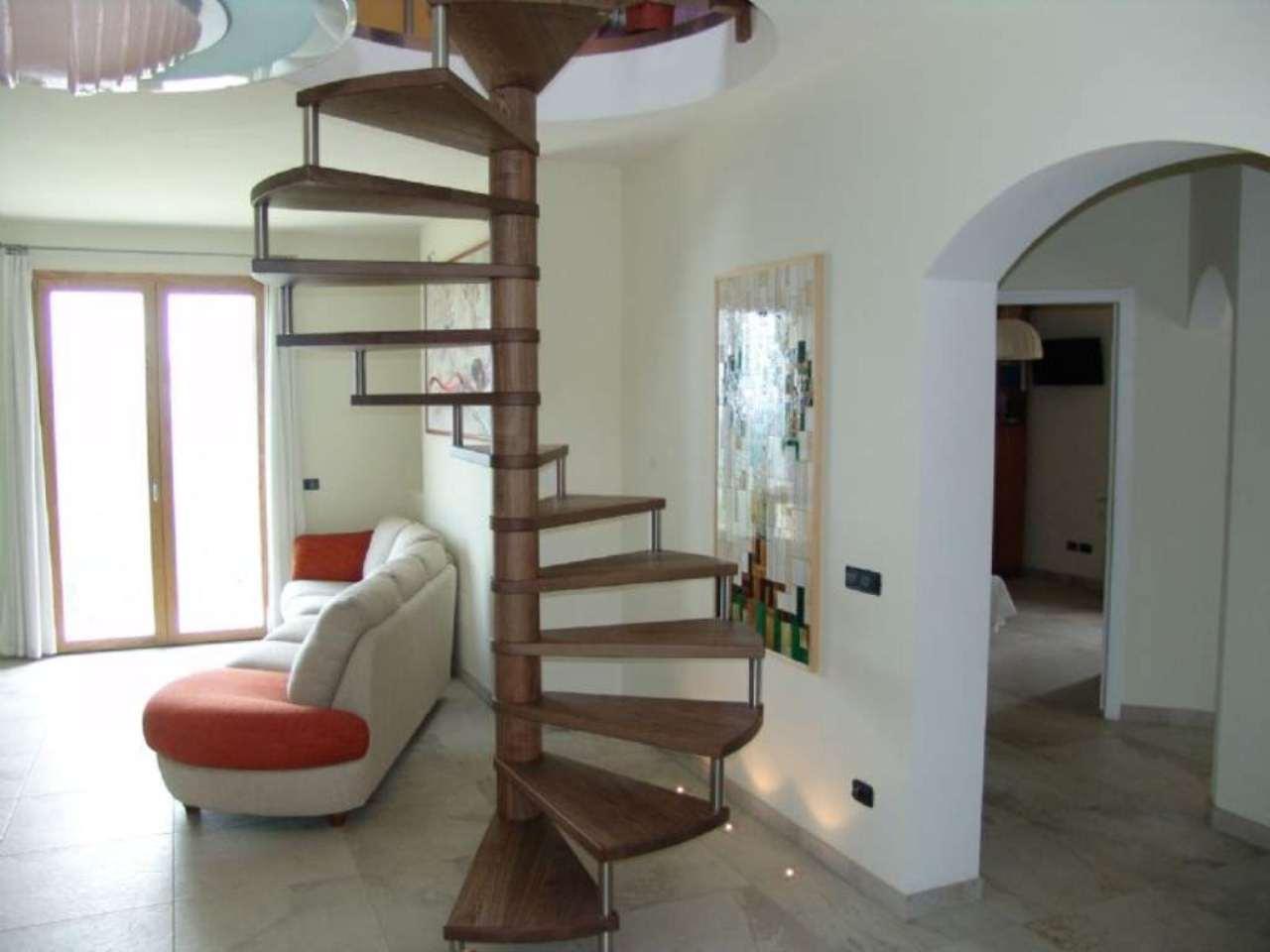 Villa in vendita a Gemmano, 6 locali, prezzo € 430.000 | Cambio Casa.it