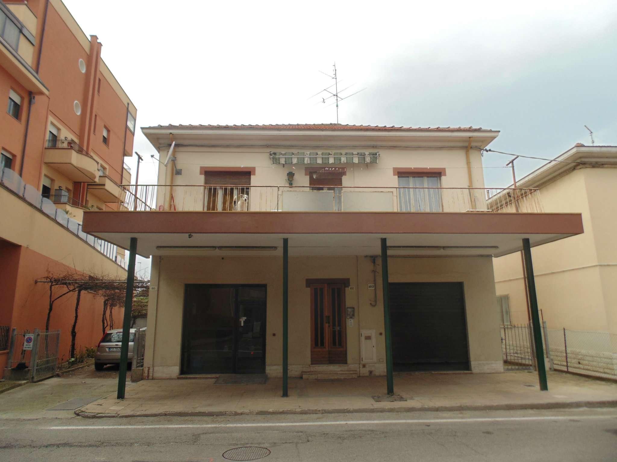 Soluzione Indipendente in vendita a Rimini, 11 locali, prezzo € 480.000 | CambioCasa.it