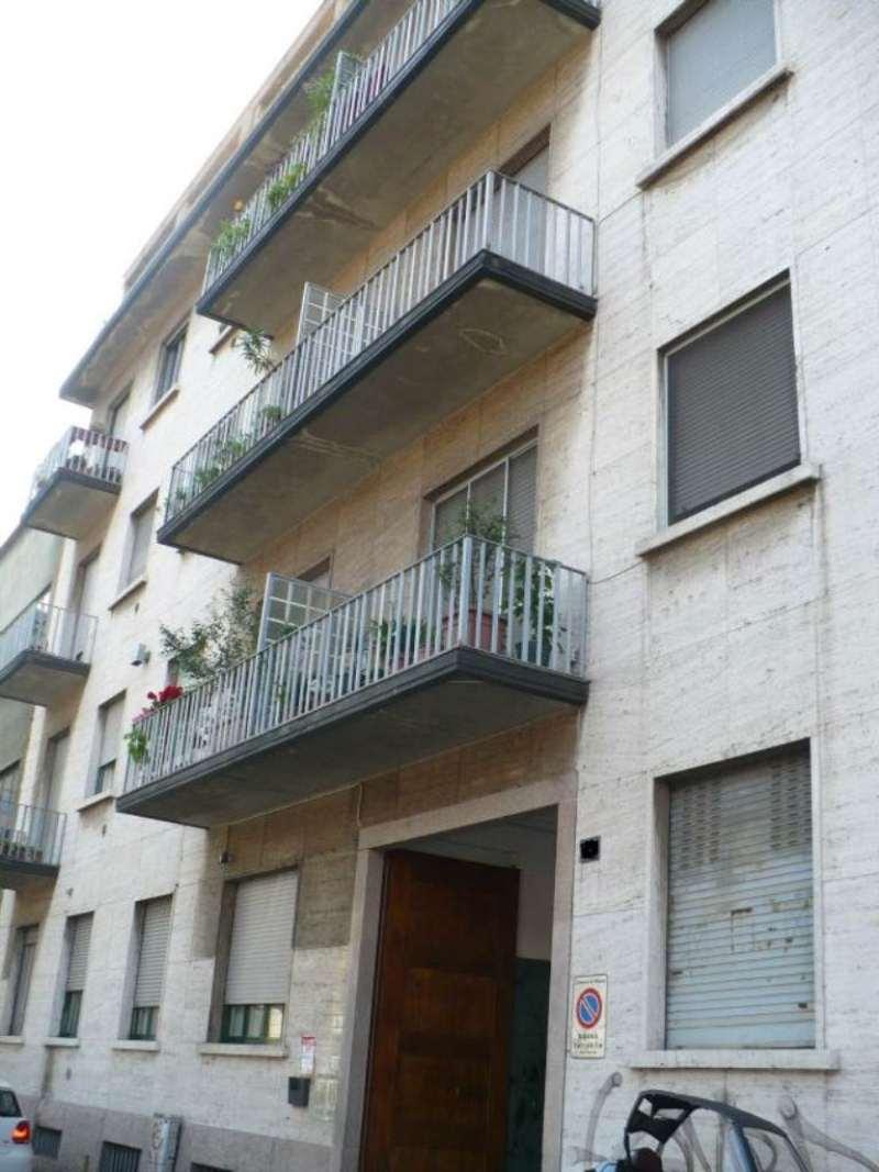 Bilocale Milano Via Monte San Genesio 1