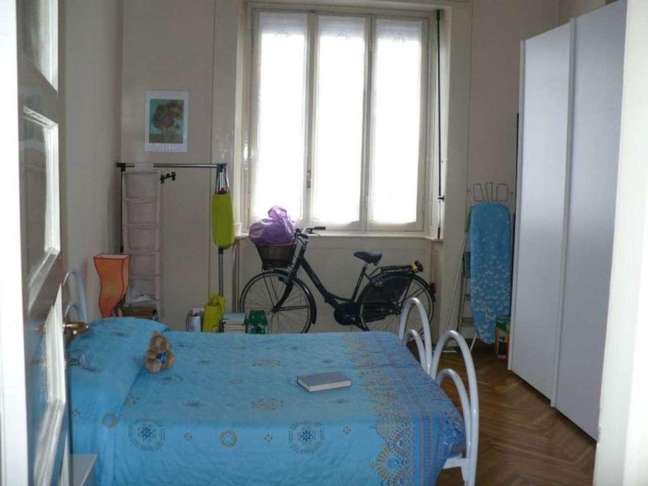 Bilocale Milano Via Monte San Genesio 8