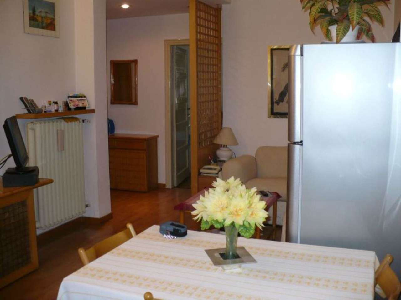 Bilocale Milano Via Monte San Genesio 4