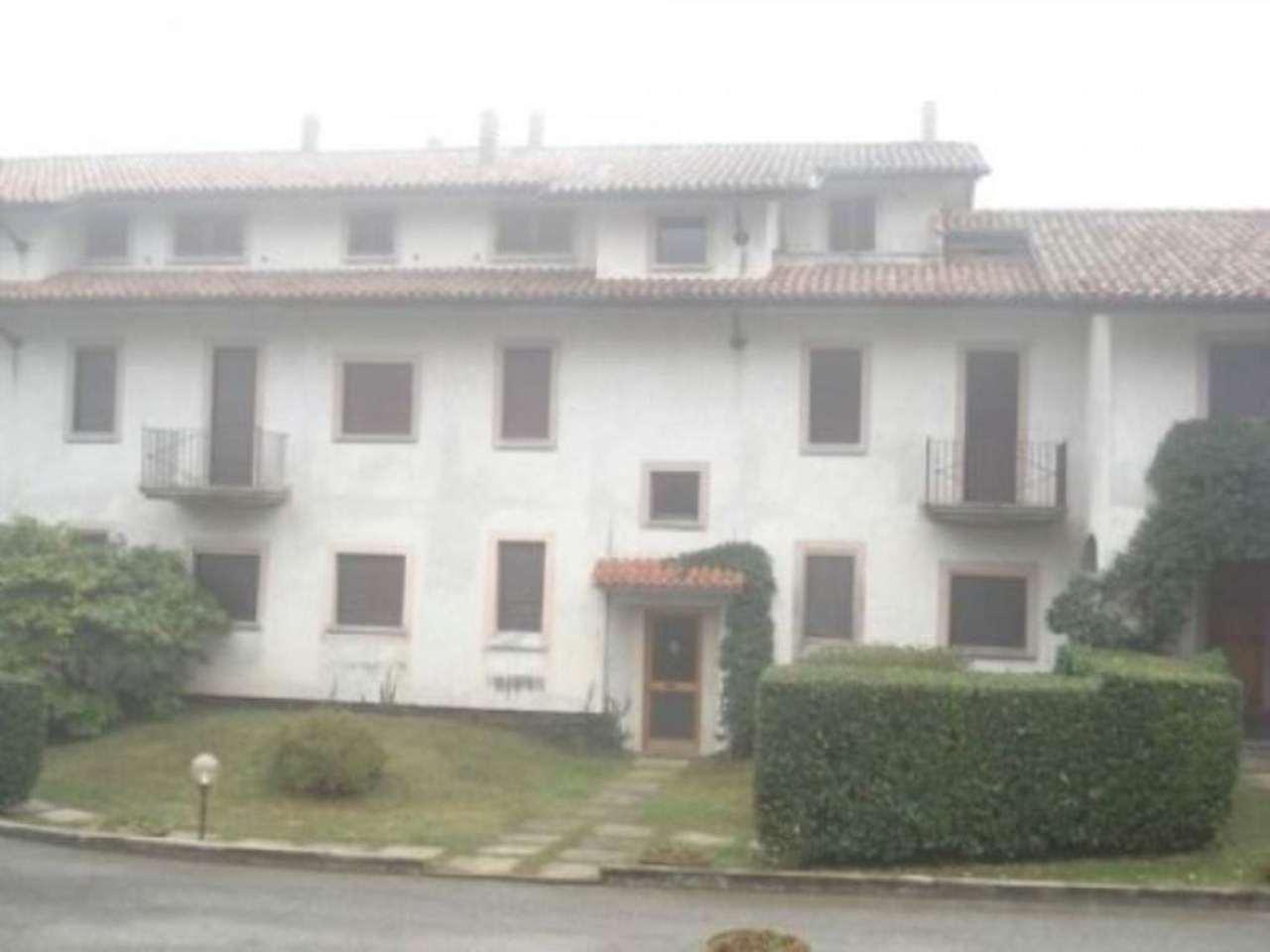 Appartamento in Vendita a Lesa: 3 locali, 80 mq