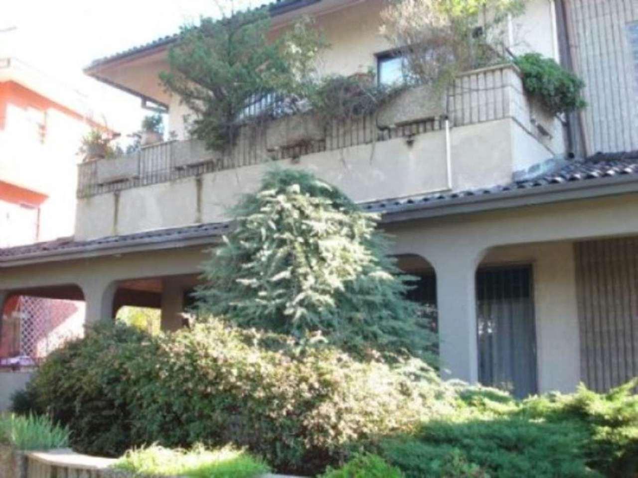 Appartamento in Vendita a Carugate: 5 locali, 220 mq