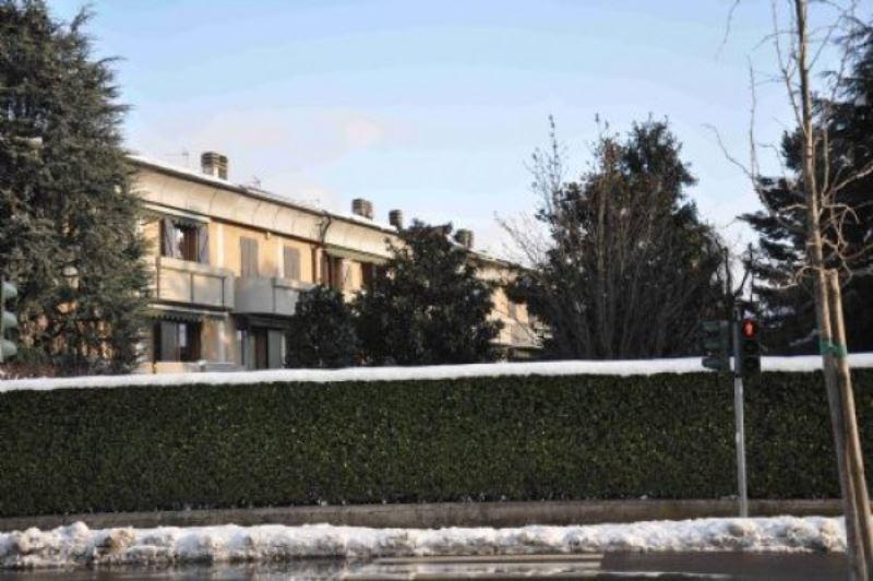 Villa in vendita a Seregno, 5 locali, prezzo € 330.000   Cambiocasa.it