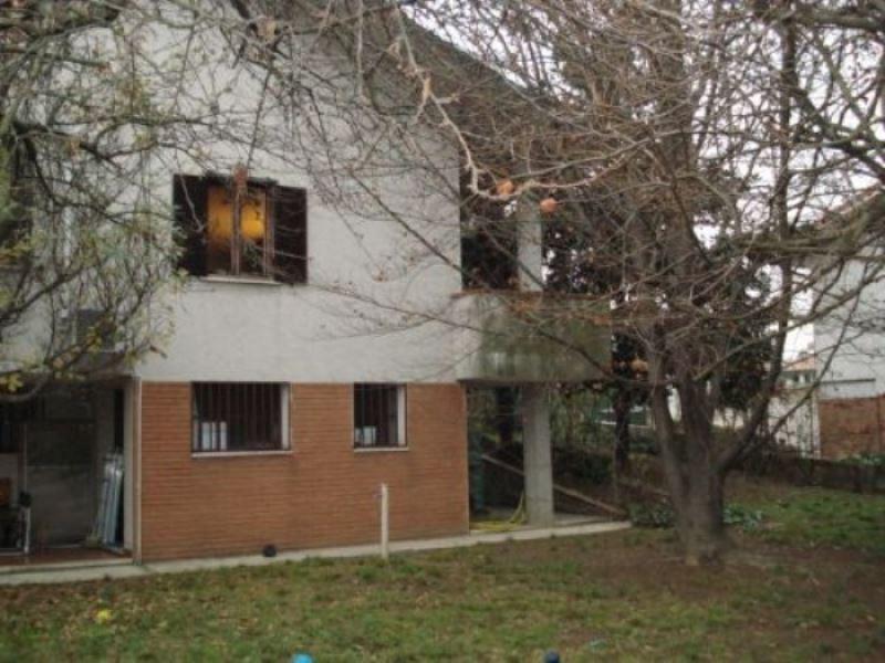 Villa in Vendita a Corsico: 5 locali, 315 mq