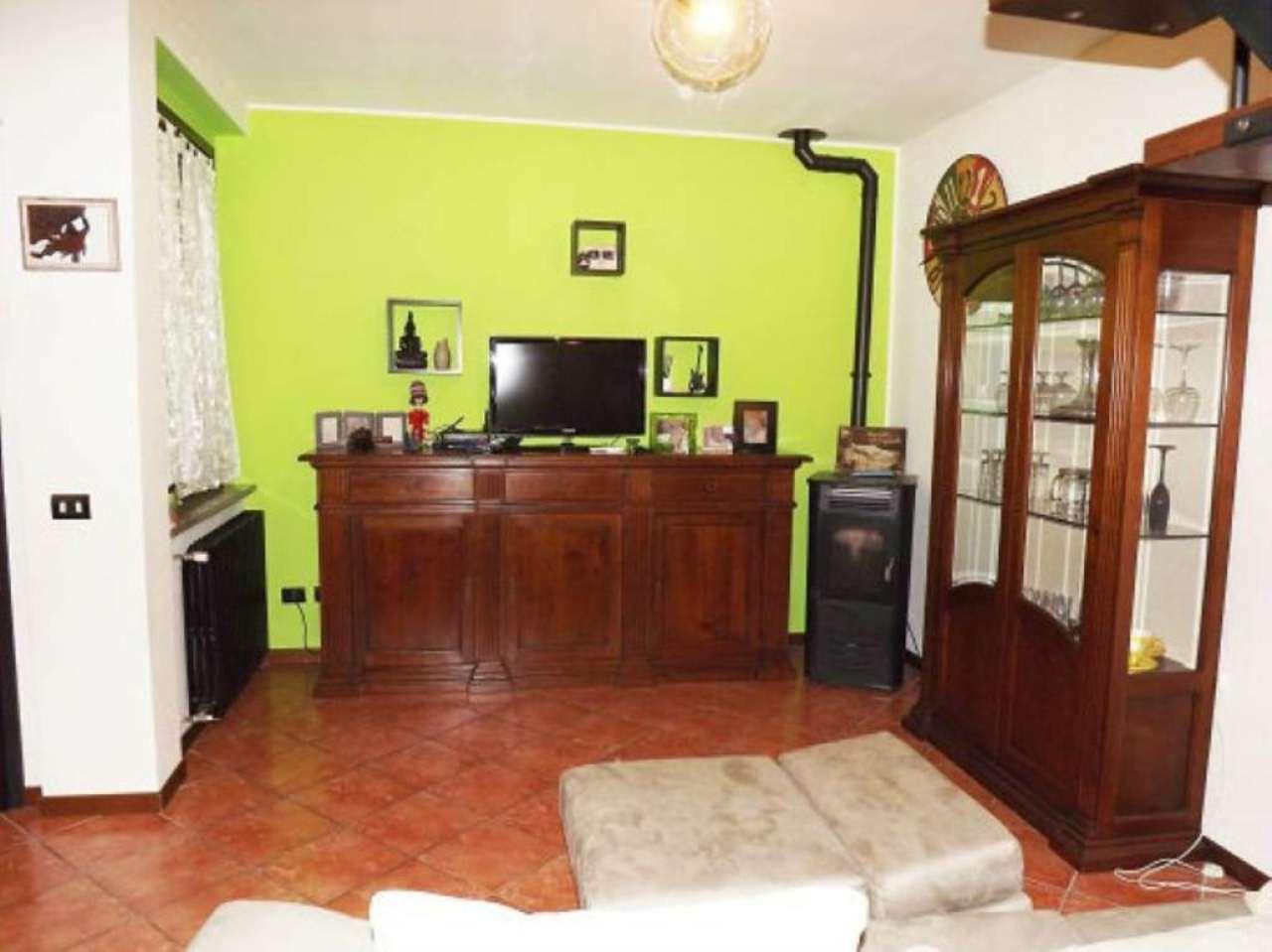 Appartamento in vendita a Lurano, 4 locali, prezzo € 145.000 | CambioCasa.it
