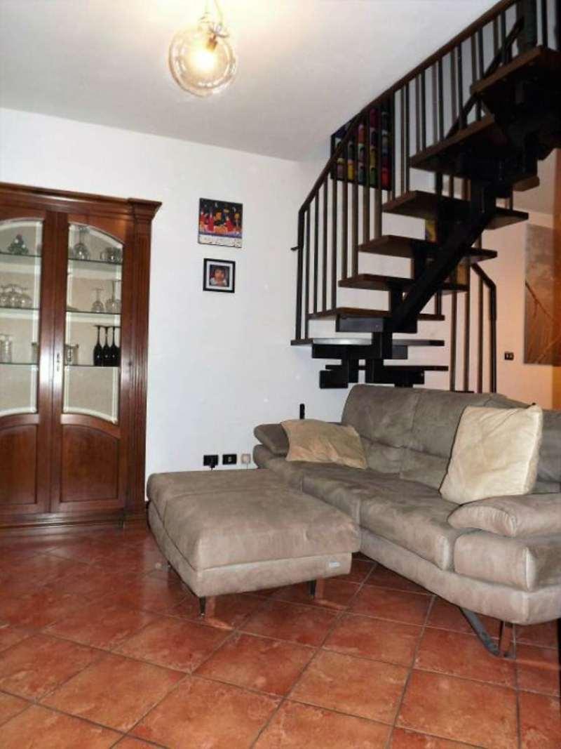 Appartamento in vendita a Lurano, 4 locali, prezzo € 140.000 | CambioCasa.it