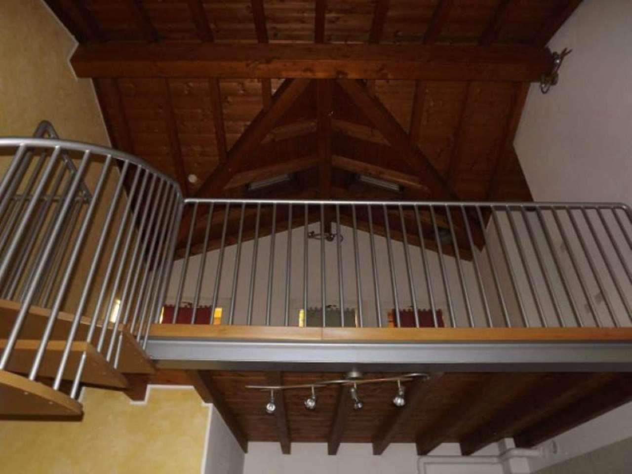 Appartamento in vendita a Lurano, 3 locali, prezzo € 125.000 | CambioCasa.it