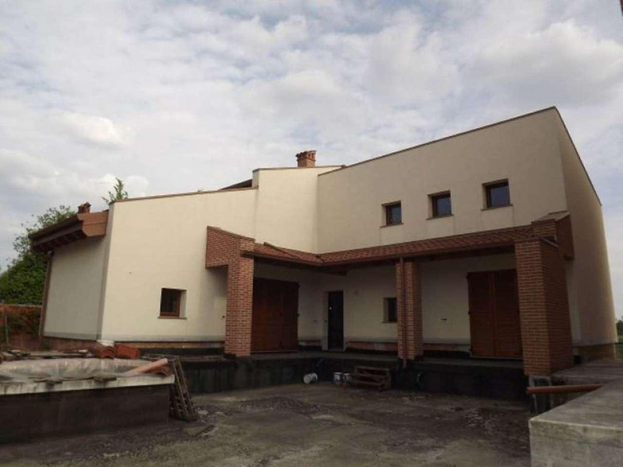 Villa in vendita a Brignano Gera d'Adda, 5 locali, prezzo € 335.000 | Cambio Casa.it
