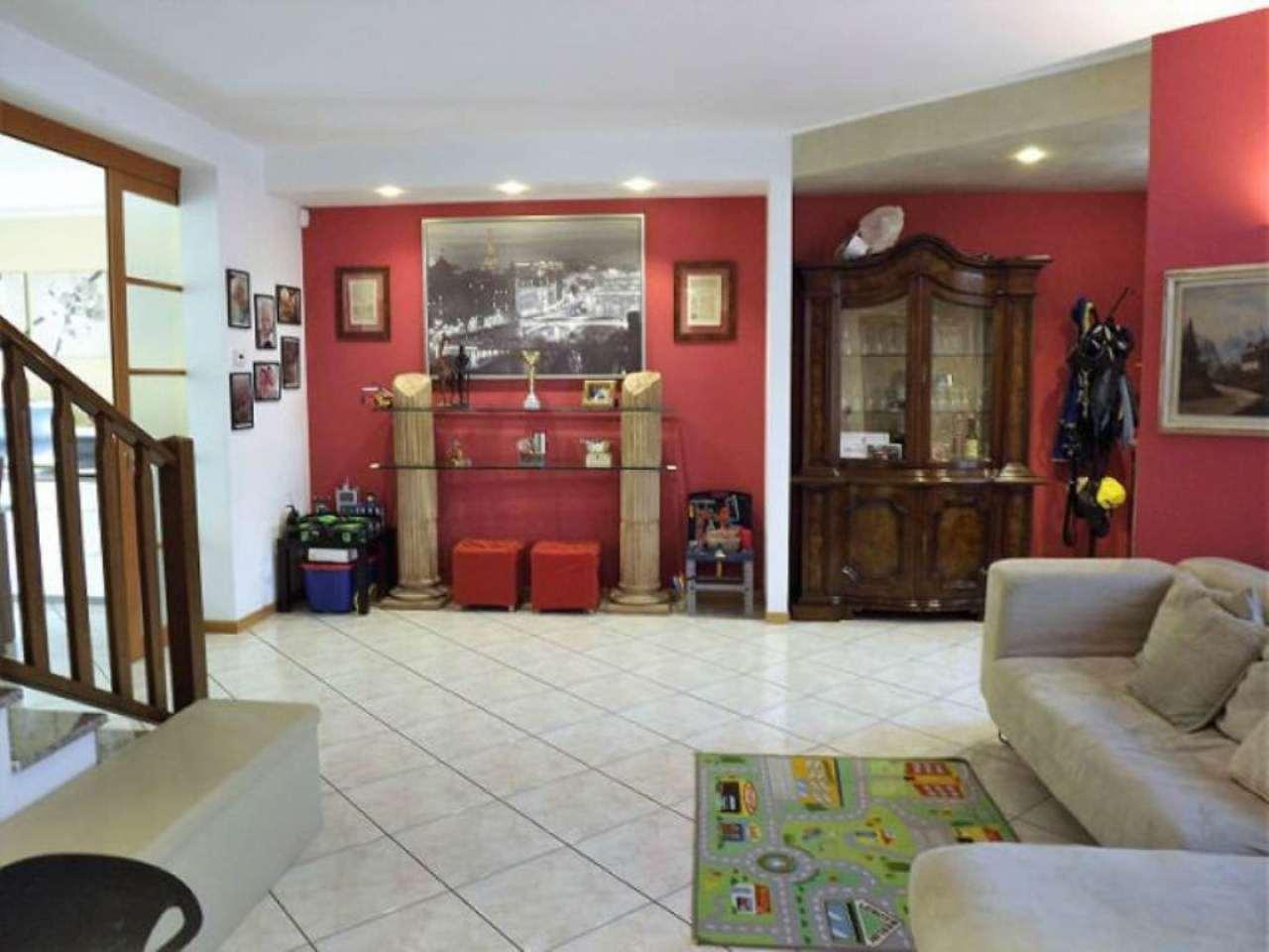 Villa a Schiera in vendita a Spirano, 5 locali, prezzo € 215.000 | Cambio Casa.it