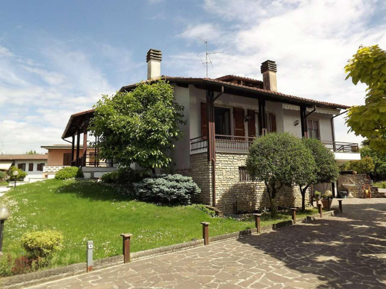 Villa in vendita a Mozzanica, 4 locali, prezzo € 320.000   CambioCasa.it