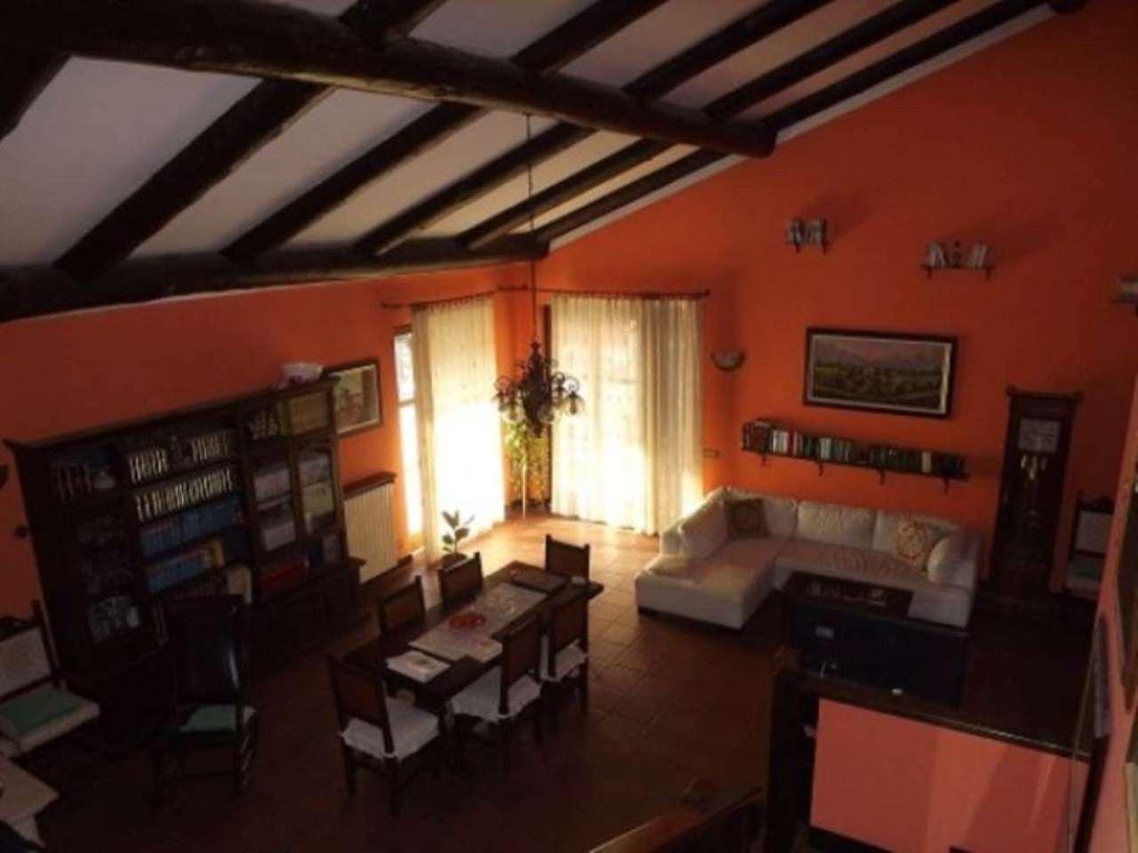 Villa in vendita a Caravaggio, 6 locali, prezzo € 495.000 | Cambio Casa.it