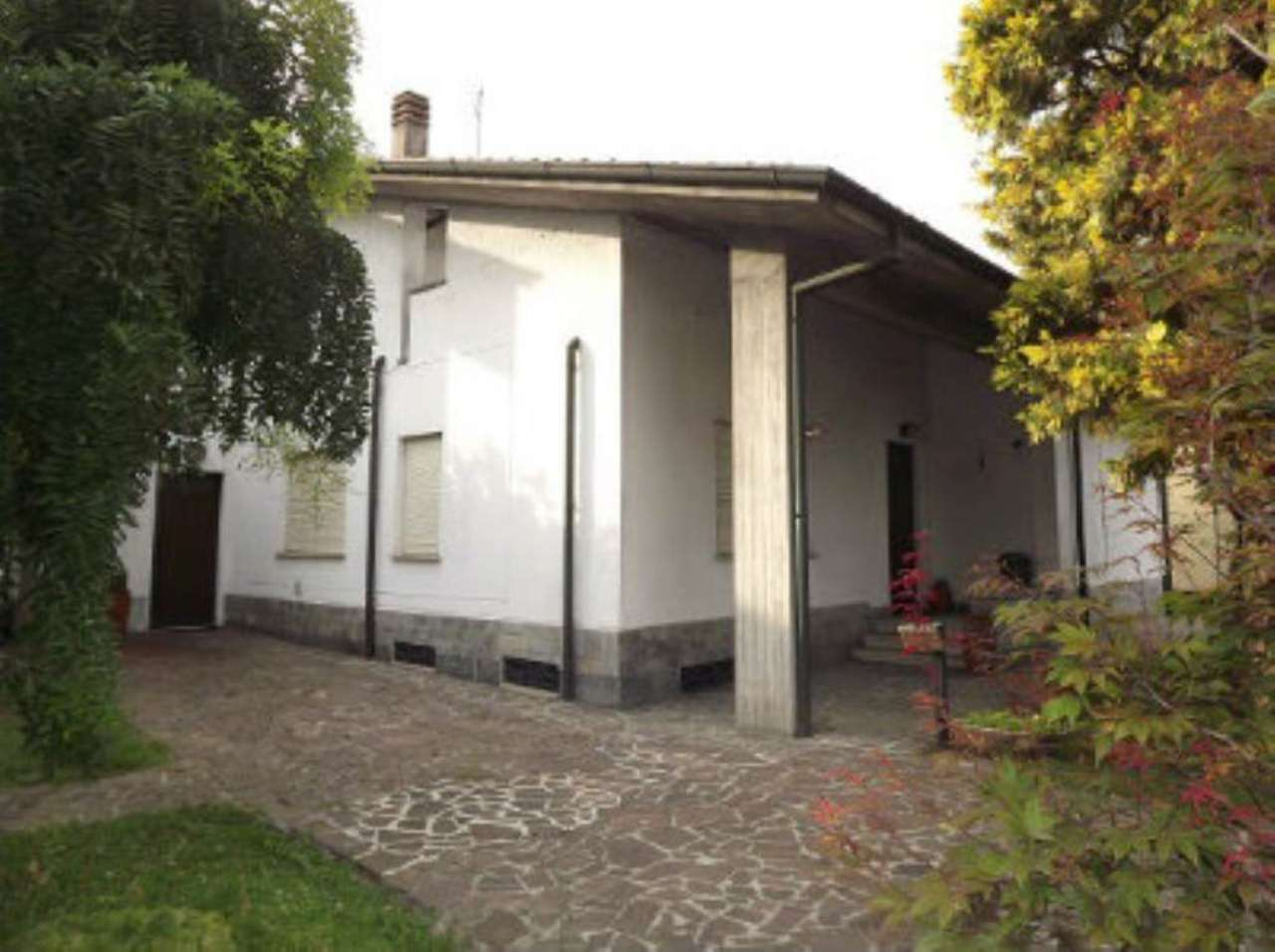 Villa in vendita a Casirate d'Adda, 6 locali, prezzo € 340.000 | Cambio Casa.it