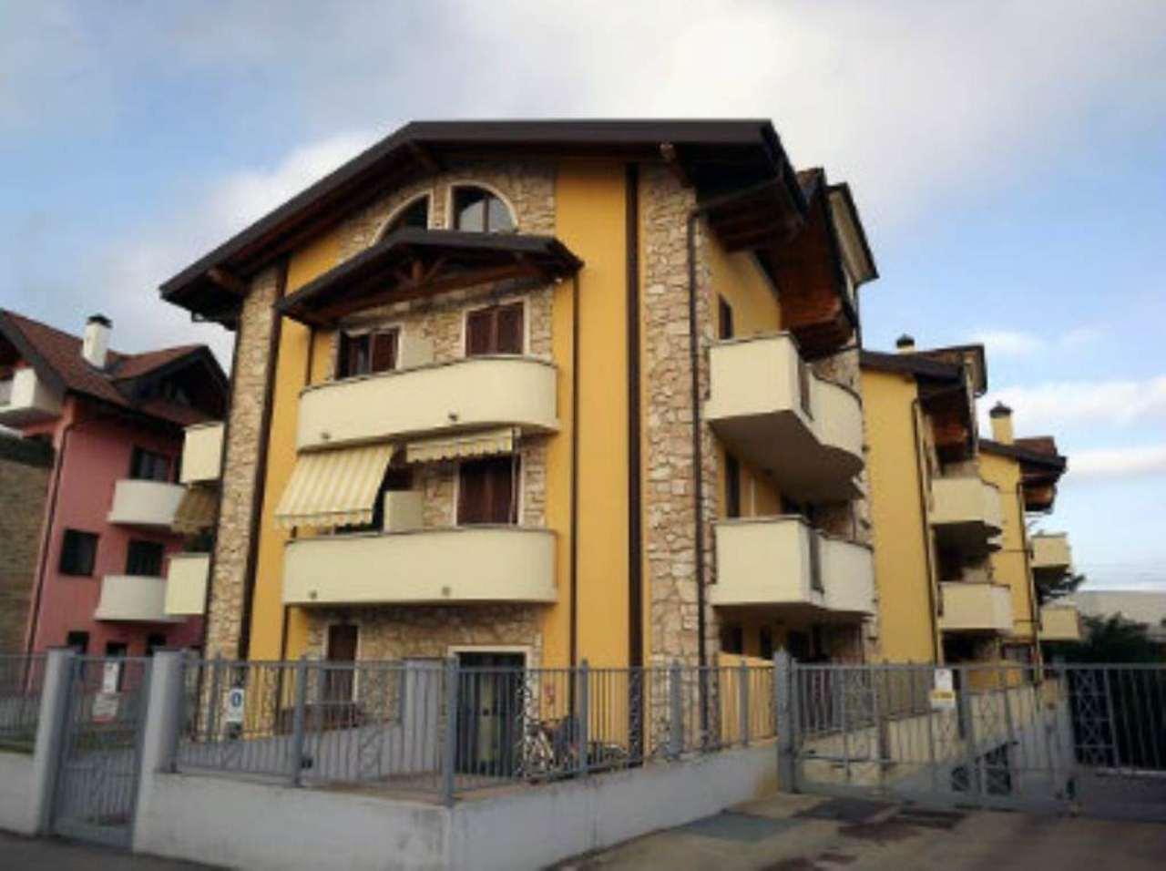 Bilocale Treviglio Via Benvenuto Cellini 1