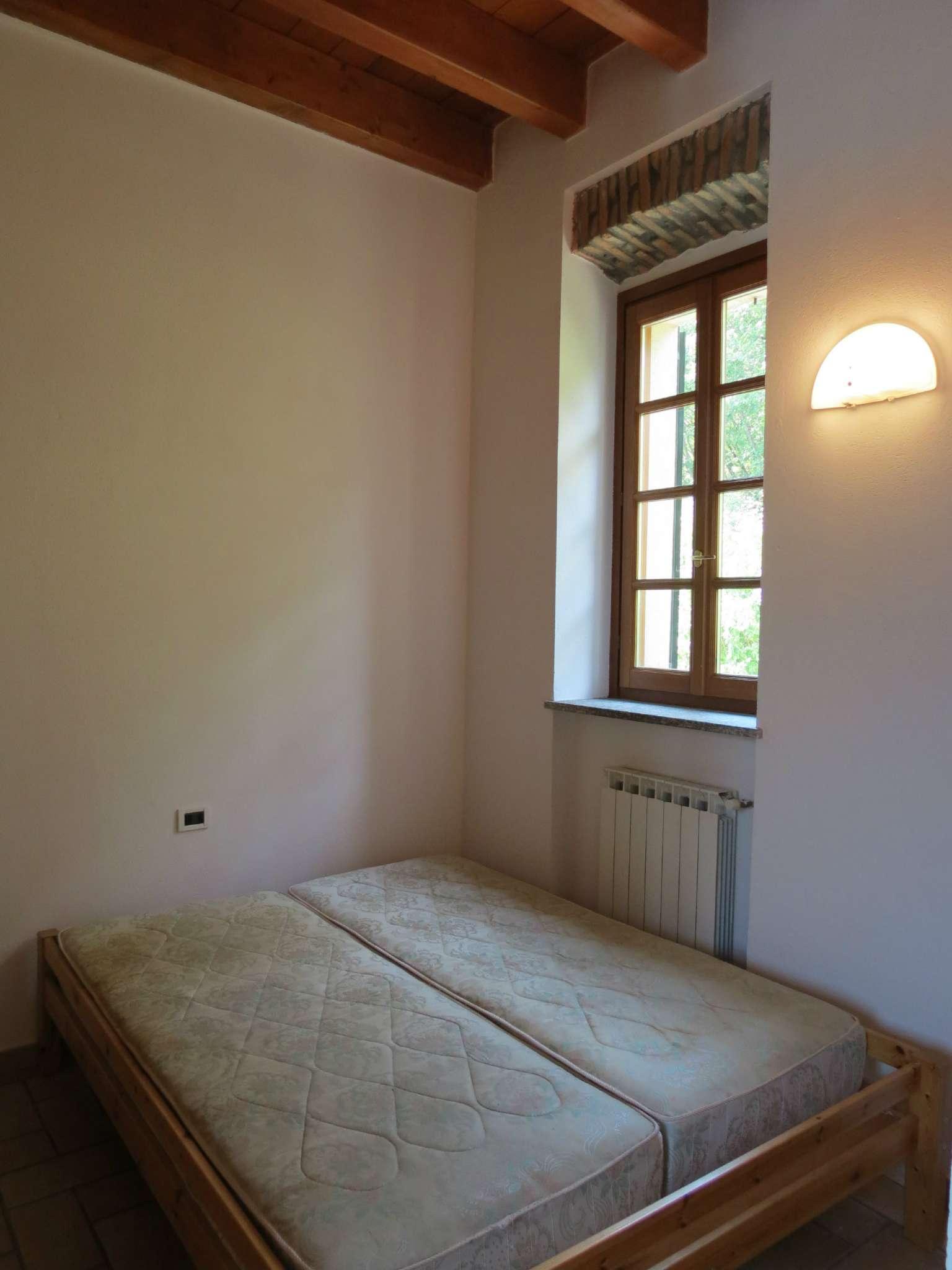 Bilocale Como Via Castel Baradello 9