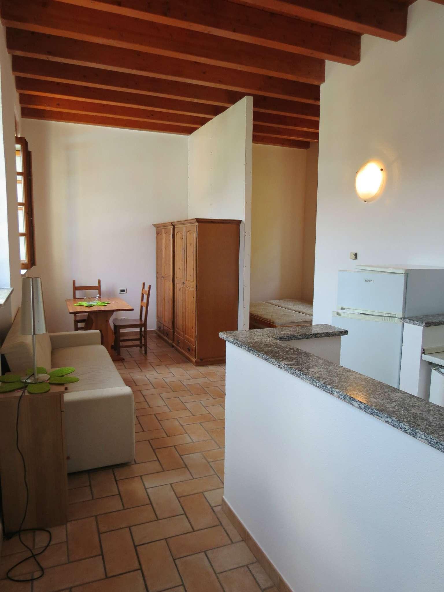 Bilocale Como Via Castel Baradello 4
